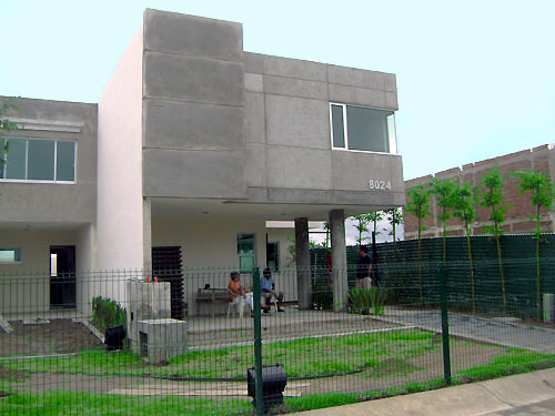 concrete house created with aluminum forms