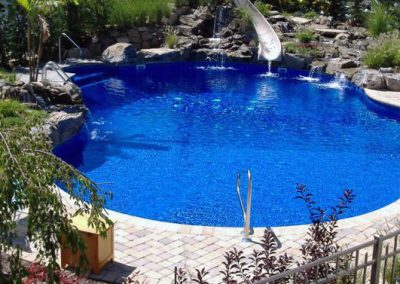 pools_swimmingpools_curved01_large